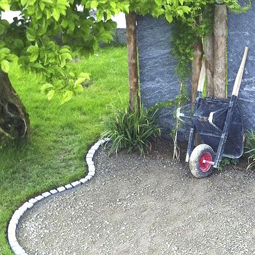 raumwunder   Sichtschutz im Garten   Kiesabschluss