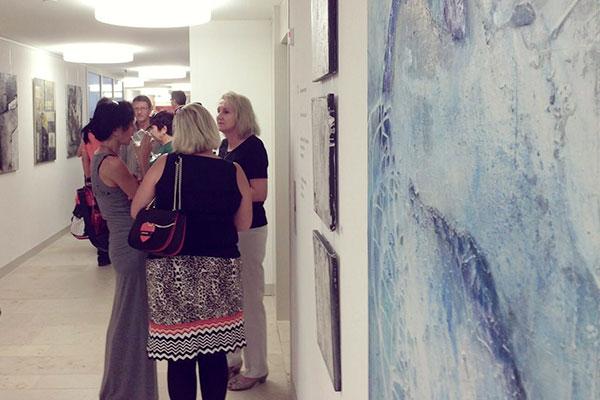 raumwunder | Organisation von Ausstellung mit Vernissage | Besucher