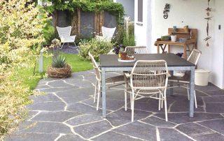 raumwunder | Sichtschutz im Garten | Tisch
